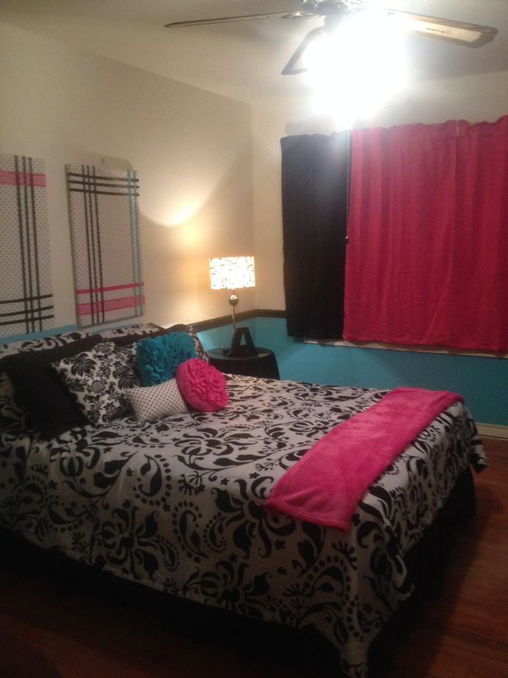 1000 images about paula 39 s bedroom on pinterest black love turquoise bedrooms and hot pink. Black Bedroom Furniture Sets. Home Design Ideas