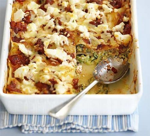 Creamy courgette lasagne /// delicious!!! Made it with 50/50 leaks/courgette and added some rosemary