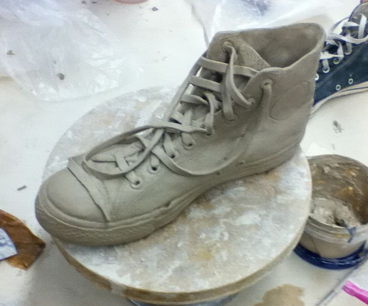 557 best ceramic sculpture images on pinterest porcelain for Shoe sculpture ideas