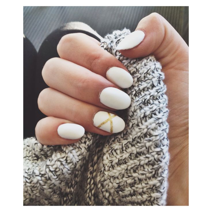 white oval nails with gold accent detail • beautiful nails • grad nails • winter •