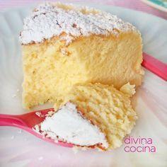 Este pastel de queso japonés se prepara con tan solo 3 ingredientes y el resultado es un dulce esponjoso con un delicado sabor a queso y chocolate blanco