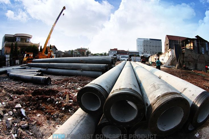 Jual pipa beton bertulang (RCP) precast harga murah langsung Pabrik Megacon. Daftar harga pipa / buis beton / gorong-gorong beton. Hub: 📞0819 3299 8507