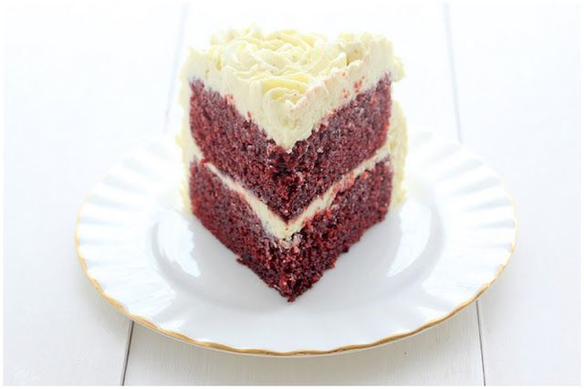 Foodagraphy. By Chelle.: Red Velvet Cake with Vanilla Cream Cheese Frosting