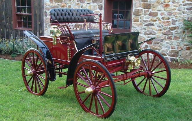 1899 Crouch Steam Runabout W. Lee Crouch began in a machine shop in New Brighton, Penn. in 1895 when he built a gasoline-powered automobile. 1896, he tried again, finishing the car & entering it in a race (it didn't finish). A few years later he was back at it with steam. It is thought Crouch only built 3 cars, the last 2 being steamers & this one, the only survivor & the only one built by Crouch Automobile Manufacturing & Transportation Company in Baltimore.