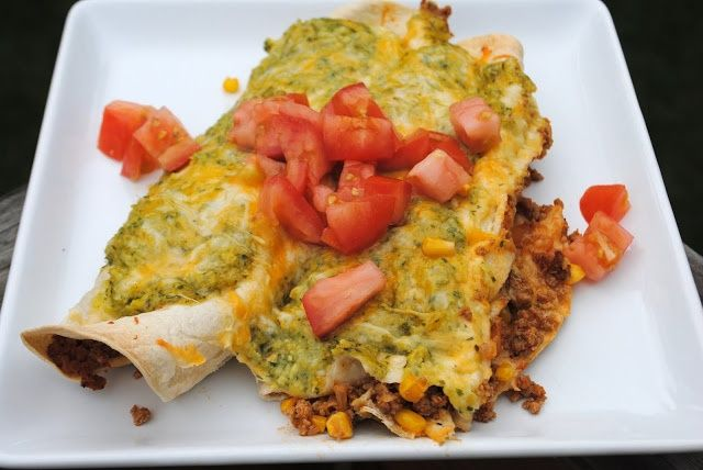Turkey Enchiladas with Cilantro Corn Puree- healthier enchilada recipe with ground turkey! #healthy #dinner http://www.shugarysweets...