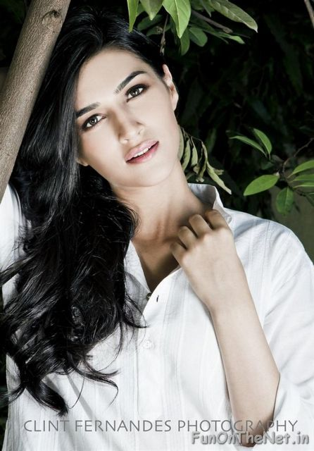 kriti-sanon-hot-06