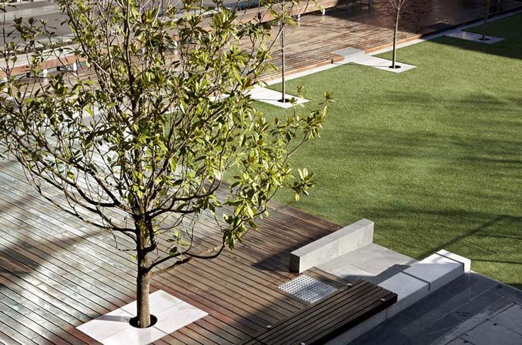 RMIT-University-Lawn-by-Peter-Elliott-Pty-Ltd-Architecture-Urban-Design-02 « Landscape Architecture Works | Landezine