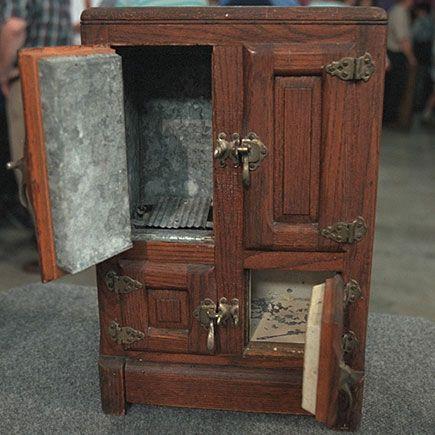 Like my Grandma Denureu0027s ice box at the old & 53 best Salesman samples images on Pinterest | General store ... Aboutintivar.Com