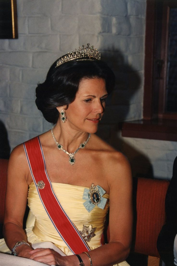 queen silvia of sweden with the Modern Fringe Tiara  and a modern diamond and emerald  demi parure