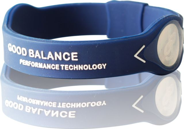 Energy bracelet Dark Blue / White. Energy bracelet of 100% silicone and a high charge of negative ions. www.goodbalance.se
