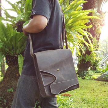 KULIT ASLI CRAZY HORSE SHOULDER BAG 014