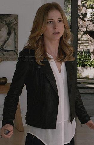 Emily�s sheer white sleeveless top and leather jacket on Revenge.  Outfit Details: http://wornontv.net/28784/ #Revenge
