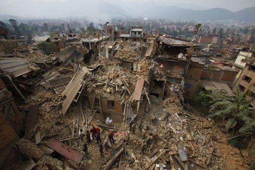 OBRAZEM: Zemětřesení rozsévalo zkázu v Nepálu | Týden.cz
