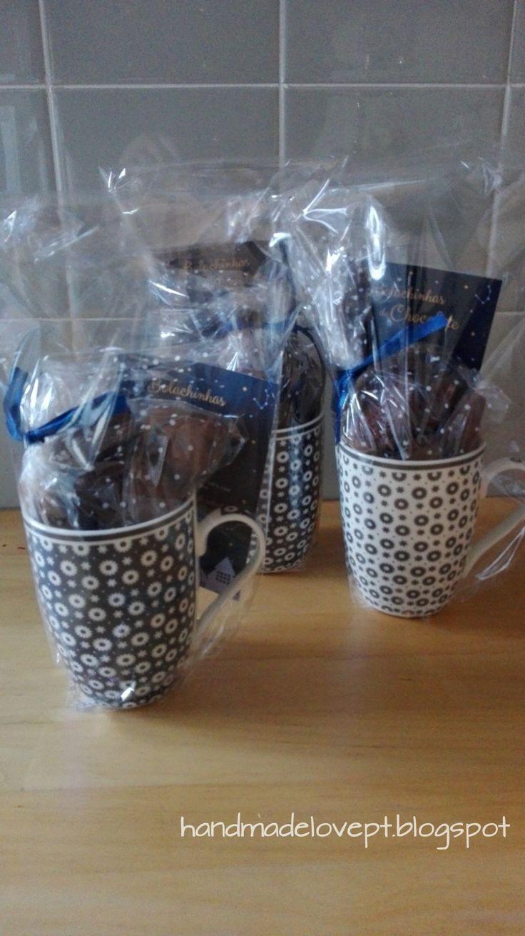 Cookies and christmas / Bolachas de chocolate e caneca para oferecer no natal.