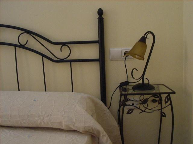 Dormitorio.  www.wellrenting.com