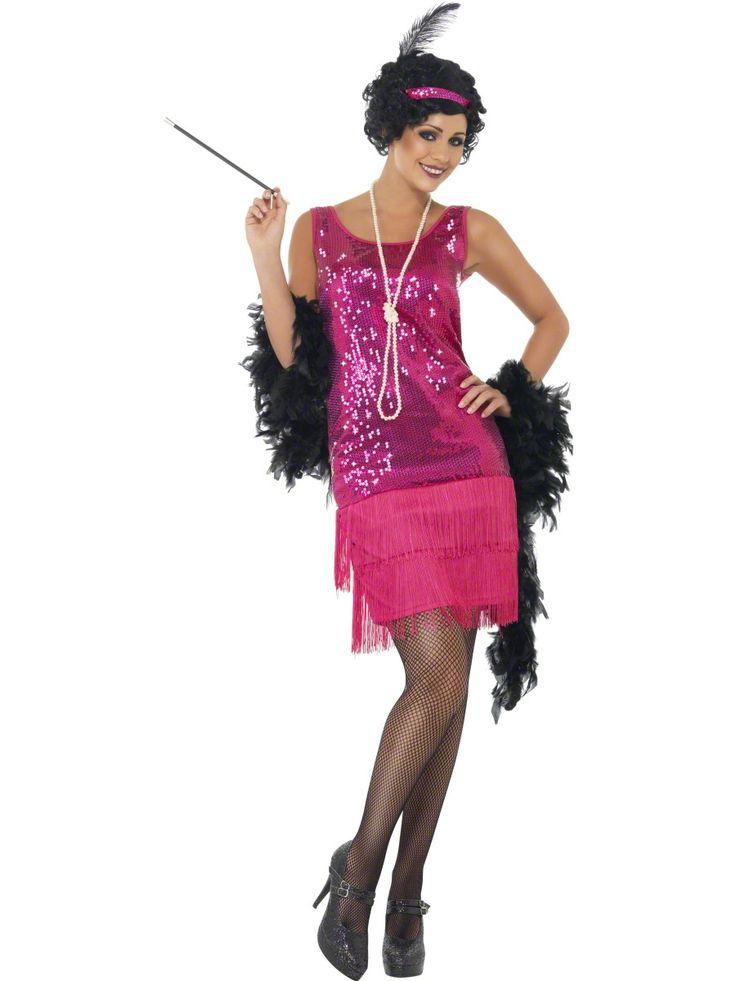 Strój kobiety z lat XX-tych z cekinowymi aplikacjami i frędzelkami u dołu sukienki. Doskonały strój na przyjęcie w stylu lat XX-tych, wieczór panieński czy imprezę karnawałową.