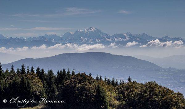 Panorama sur les Alpes depuis le plateau de Retord #tourisme #voyage #France #montagne