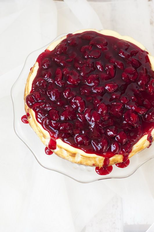 ricotta cheesecake with cherry topping