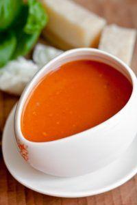 Einfache und schnelle Tomatensuppe mit Dosentomaten von Jamie Oliver, Tomatensuppe aus Dosentomaten machen, Tomatensuppe zum einfrieren