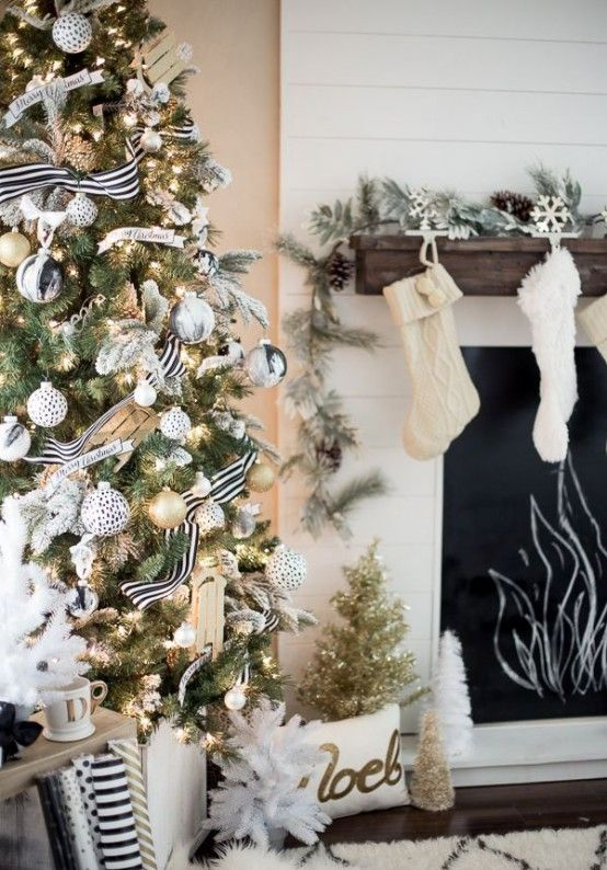 Gold And White Christmas Décor Ideas