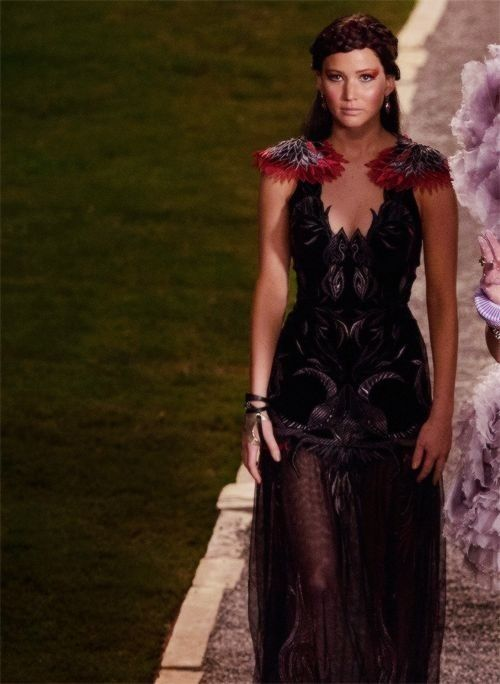 OMG!! The Mockingjay DRESS!! | THG: Catching Fire ...