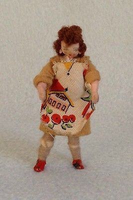 RARE VINTAGE GRECON DOLLS HOUSE DOLL MOTHER MUM HOUSKEEPER TRIANG LUNDBY 1:16