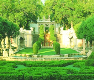 Vizcaya Gardens Miami Fl Beautiful Place To Take Pictures And Forget You Re In The City Favorite Places Es Pinterest