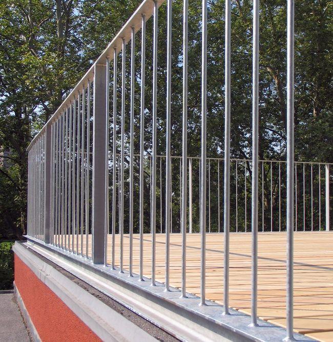 Dachterrasse Mit Gelaender Und Holzrost 05 Dachterrasse