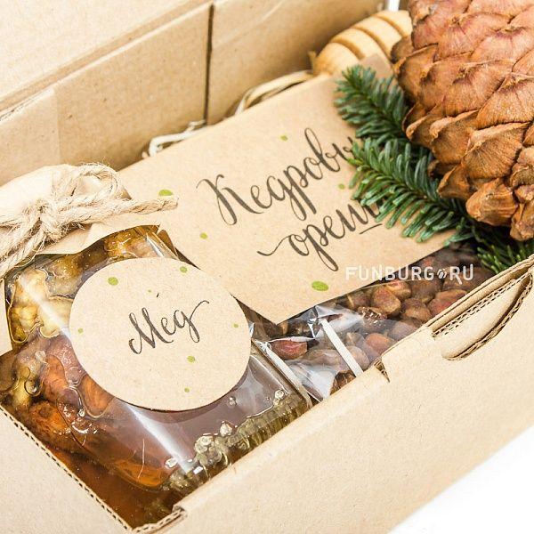 Купить подарочный набор «Мед и орешки» с доставкой по Екатеринбургу - интернет-магазин «Funburg.ru»
