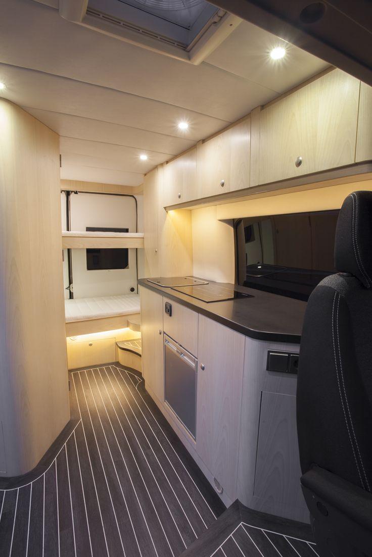 Innova Automotive Campers en Yachting – Oplevering Fiat Ducato (2015) Buscamper – maatwerk interieur