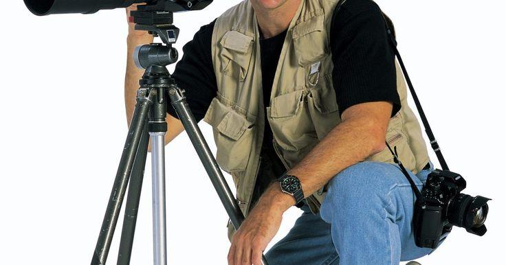 Cómo obtener un pase de prensa si eres un fotógrafo . Con el fin de tener acceso a eventos de prensa, eventos deportivos y a las áreas de los lugares donde sólo se permiten medios de comunicación, se necesita un pase de prensa especial. El proceso para que un fotógrafo obtenga este tipo de pase por lo general implica un editor. Incluso si eres un fotógrafo independiente, es necesario estar afiliado a ...