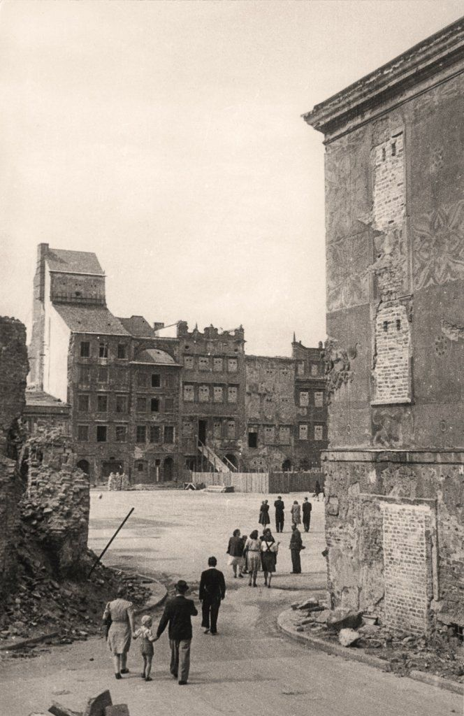 1945 Warsaw, The Old Town