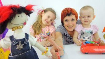 Детские песни. Маша, Ксюша и кукла МАША. Клипы для детей с игрушками. http://video-kid.com/19750-detskie-pesni-masha-ksyusha-i-kukla-masha-klipy-dlja-detei-s-igrushkami.html  Песни для детей, в хорошей компании с куклами и игрушками, поются особенно весело! Куда едет кукла Маша? Давайте все вместе споем простую песенку, посмотрим клип с Машей и Ксюшей и непременно узнаем ответ на этот вопрос! А так же поднимем настроение себе и друзьям ведь хорошая песенка это 100% позитива на весь день…