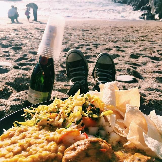 Barricane Beach, North Devon. Sri Lankan curry & champagne <3