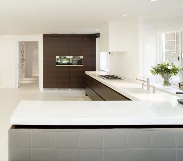 CaesarStone (Pure White) kitchen worktop by Erbi - Fred Constant