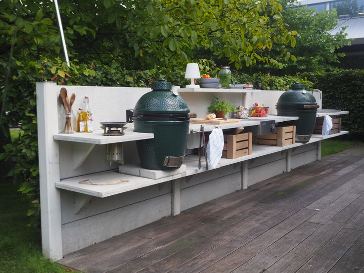 WWOO outdoor kitchen light grey with Big Green Egg medium and the Big Green Egg large | www.wwoo.nl