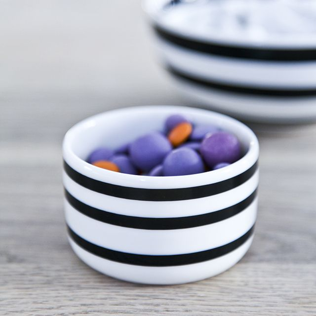 The sugar bowl can be used for all kinds of sweets