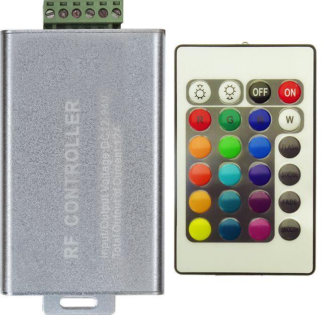 Controllerul RGB 12A si telecomanda cu 24 de canale este solutia confortabila de a gestiona jocul de lumini a 10 metri banda LED cu 60 SMD-uri 5050. Telecomanda aduce plus confort in utilizare.