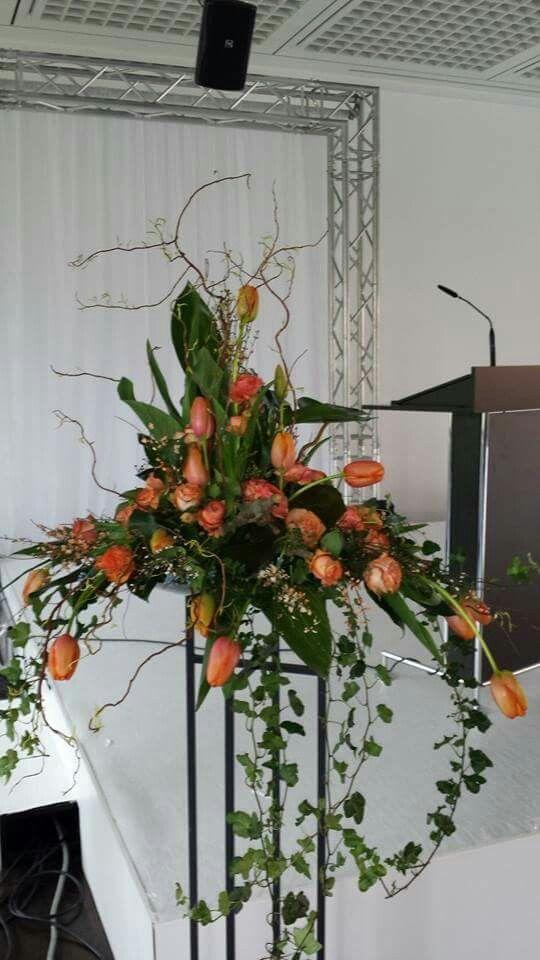 Ständer mit Orange