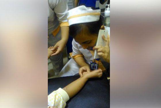 Video Perawat Jaman Now, Asyik Telepon Saat Pasien Kesakitan Jadi Viral
