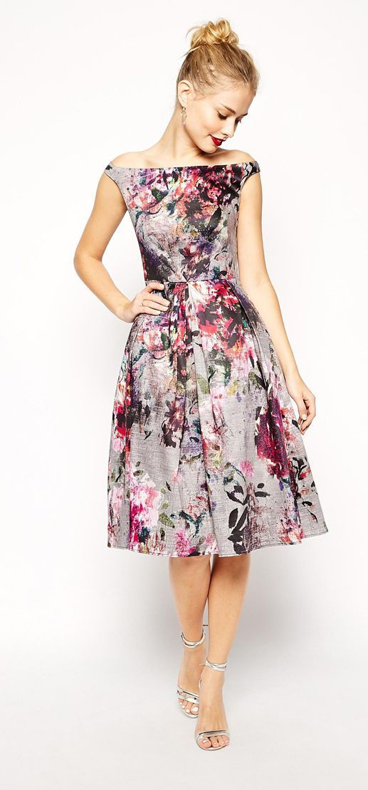 Women's fashion   Beautiful neckline on this floral formal dress