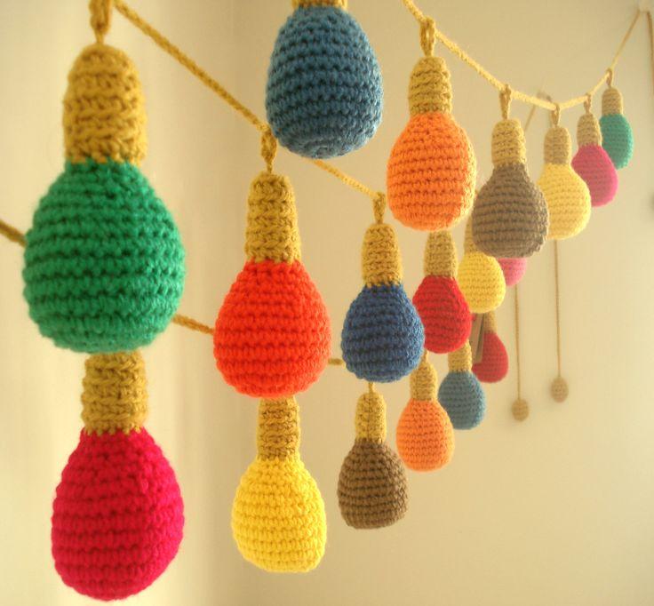 Guirnalda crochet Focos multicolor, $190 en https://ofeliafeliz.com.ar