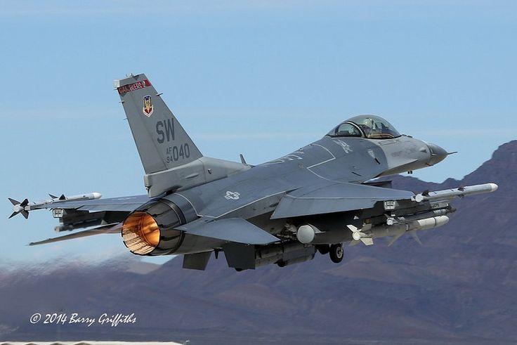 "General Dynamics F-16CM Viper (Block 50) USAF 94-0040 Wild Weasel 77th FS ""Gamblers"" 20th FW Shaw AFB, SC"