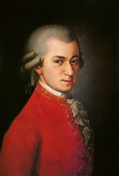 Wolfgang Amadeus Mozart (1756-1791), compositeur autrichien qui a porté, avec Joseph Haydn et Ludwig van Beethoven, le style classique viennois à son plus haut niveau. Enfant prodige, il est considéré comme un des plus grands génies musicaux de tous les temps, pour son œuvre, pour ses aptitudes musicales « innées » ainsi que pour son ouverture à la musique des autres compositeurs qu'ont développée ses nombreux voyages en Europe