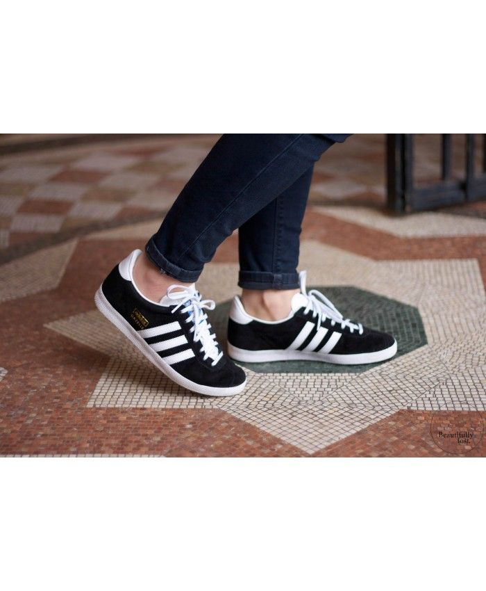 75a7e144221 Adidas Originals Gazelle Black White On Feet Mens Sale
