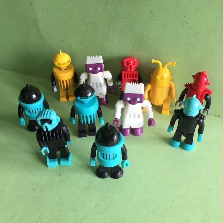 Ü- Ei Figuren / Robotter / Überraschungseier / 11Stück