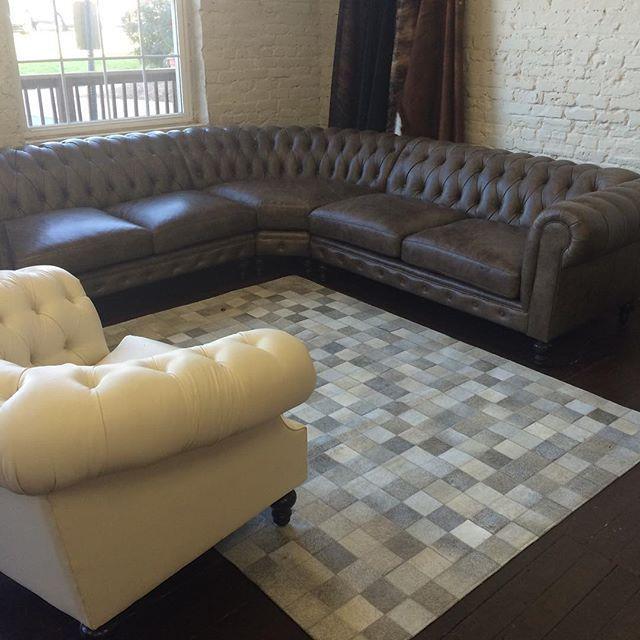 We are loving these new geometric hide rugs. #neutrallove #hiderug #cowhide #leather #leatherlove #chesterfieldsofa #chesterfield #leathersofa #tuftedsofa #interiordesign #neutralinterior #interiorinspo #flashesofdelight #lovelysquares