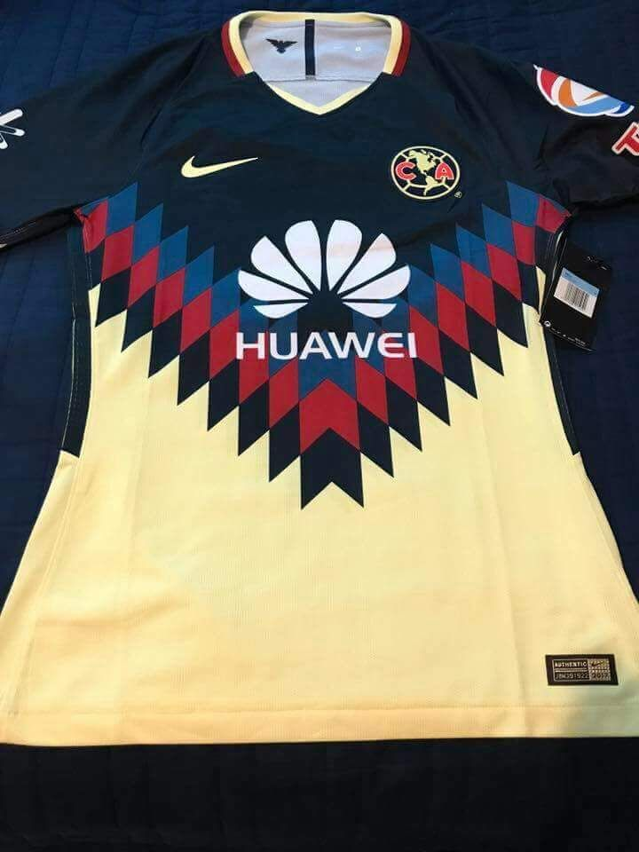 The Club America 17-18 home kit introduces an outstanding design inspired by one of the club's most iconic looks.