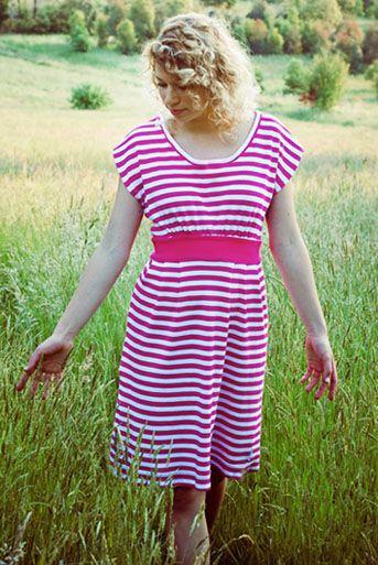 Naaipatronen : Coastal breeze. heerlijke, relaxte jurk. Engelstalig patroon van Make it perfect.