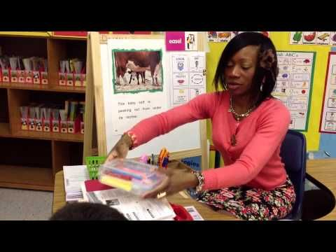 The Reader's Workshop: Kindergarten Guided Reading Lesson- Early Starts Reading! - YouTube